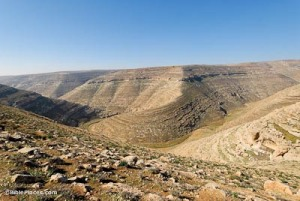Nahal-Arugot-from-east,-tb021107514-bibleplaces